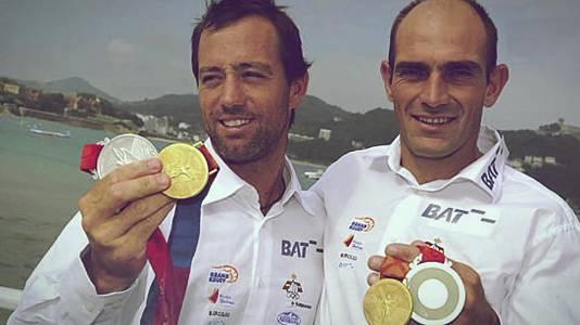 Vela. Xabi Fernández e Iker Martínez