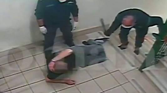 Maltrato en cárceles italianas: 52 agentes suspendidos