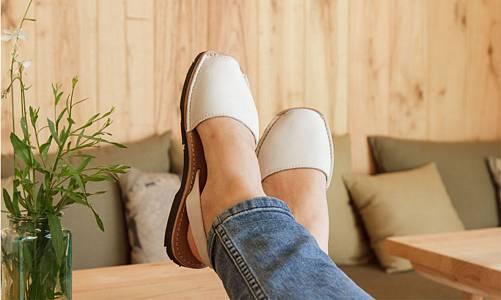 El calzado más cómodo que recicla plásticos del mar