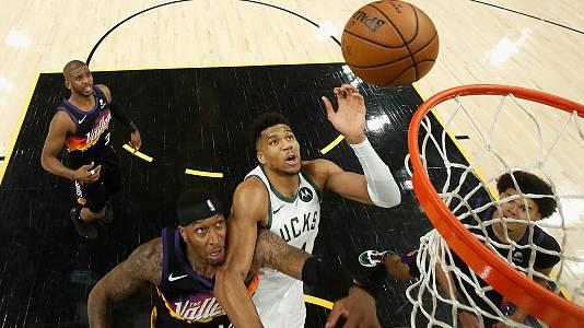 Los Suns toman ventaja ante unos Bucks que recuperan a Antetokounmpo