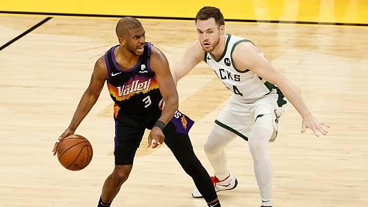 Un gran Antetokounmpo no basta para frenar a los Suns, que se ponen con ventaja de 2-0