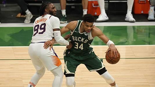 Antetokounmpo da un recital y los Bucks se ponen 1-2 en las Finales NBA