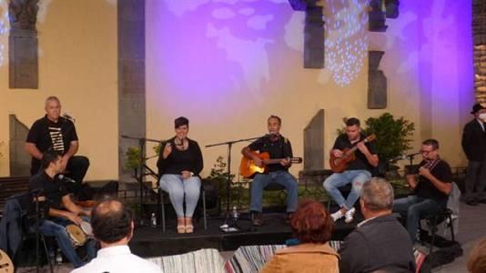 Tenderete - 11/07/2021 con la Parranda La Hondura, Los Tendereteros de Juanse y los solistas Cande Portela y Jesús Monzón