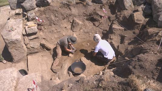 Un equipo de arqueólogos desentraña los misterios del Torreón de Ulaca