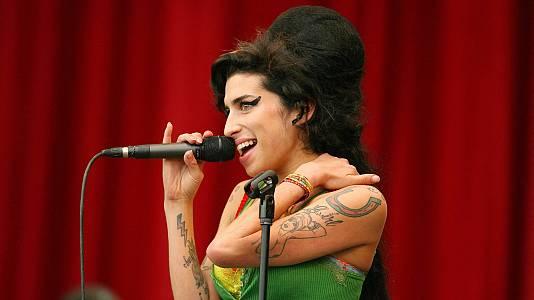 """Amy Winehouse, a través de la mirada de su """"protegida"""" Dionne Bromfield"""