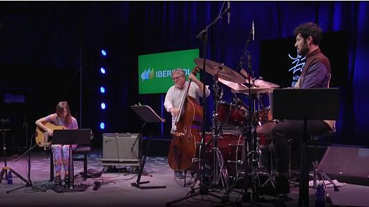"44º Jazz Vitoria: Mary Halvorson ""Thumbscrew"""
