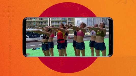 Visto en redes - Ona Carbonell y sus compañeras de natación artística ensayan su coreografía fuera del agua