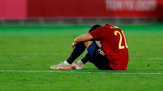 Los errores defensivos condenan a España a la plata