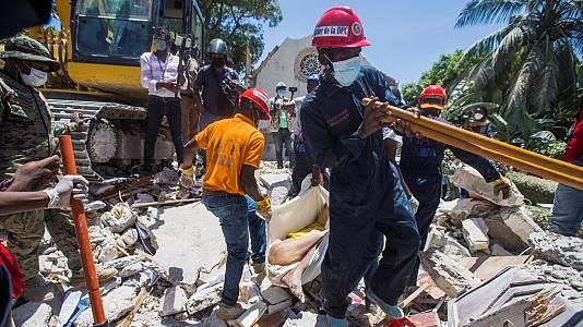 El terremoto en Haití deja cientos de desaparecidos y hospitales desbordados