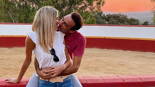 La polémica vacunación de Enrique Ponce y Ana Soria