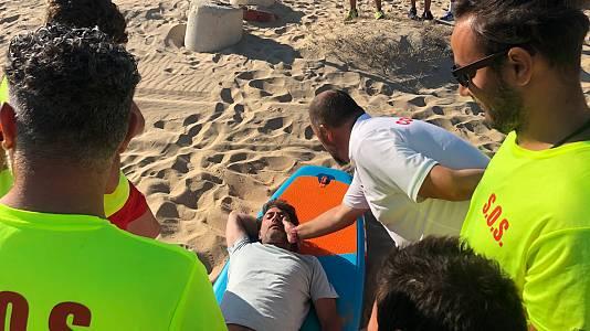 Antonio Garrido aprueba como socorrista en Isla Cristina