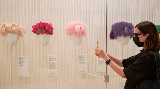 Balenciaga: La elegancia del sombrero