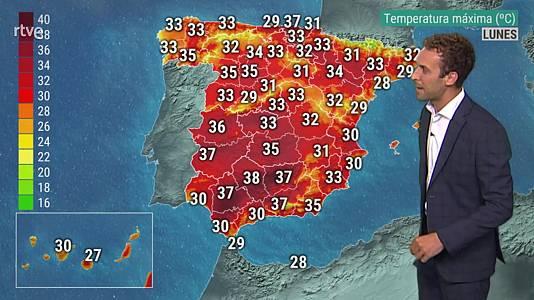 Vientos con rachas muy fuertes en el Estrecho y en cumbres de Canarias
