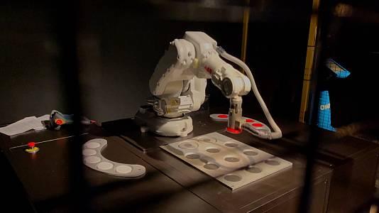 Robots 2.0, Proyecto Hexa y Galaxy Z Flip3Proyecto HEXAGALAX