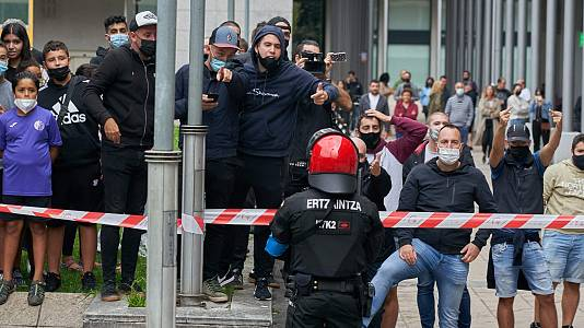 Incidentes en Mondragón tras un acto de Vox