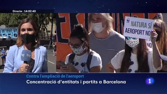 Milers de persones rebutgen l'ampliació de l'aeroport del Prat