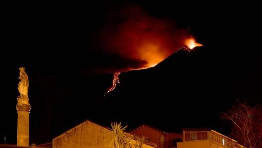 Volcanes en erupción en el mundo más allá de La Palma