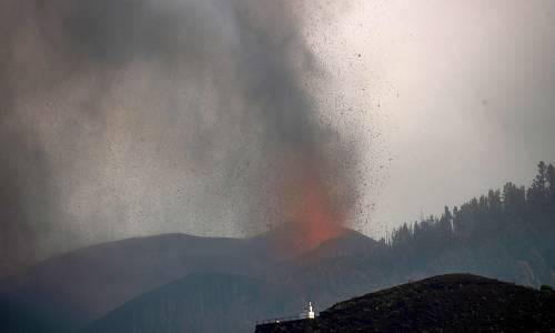 La lava continúa su camino y arrasa la población de Todeque en La Palma