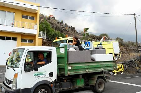 La erupción del volcán Cumbre Vieja arrasa cientos de viviendas y deja miles de desalojados