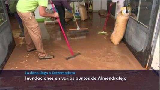 La Dana ha llegado a Extremadura, provocando inundaciones en Tierra de Barros