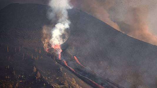 Dos nuevas bocas activas obligan a evacuar tres nuevas localidades en La Palma