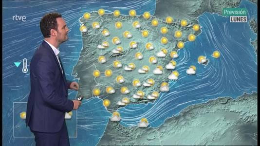 Levante fuerte en el Estrecho. Intervalos de viento fuerte en el entorno de Alborán y el litoral noroeste de Galicia