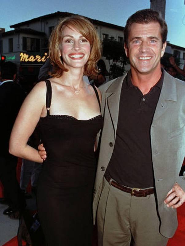 Julia Roberts y Mel Gibson en un preestreno de 'Conspiración'