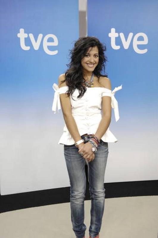 Lucía Pérez, representante de España en Eurovisión 2011, ha ofrecido en Madrid su última rueda de prensa antes de partir rumbo a Düsseldorf.