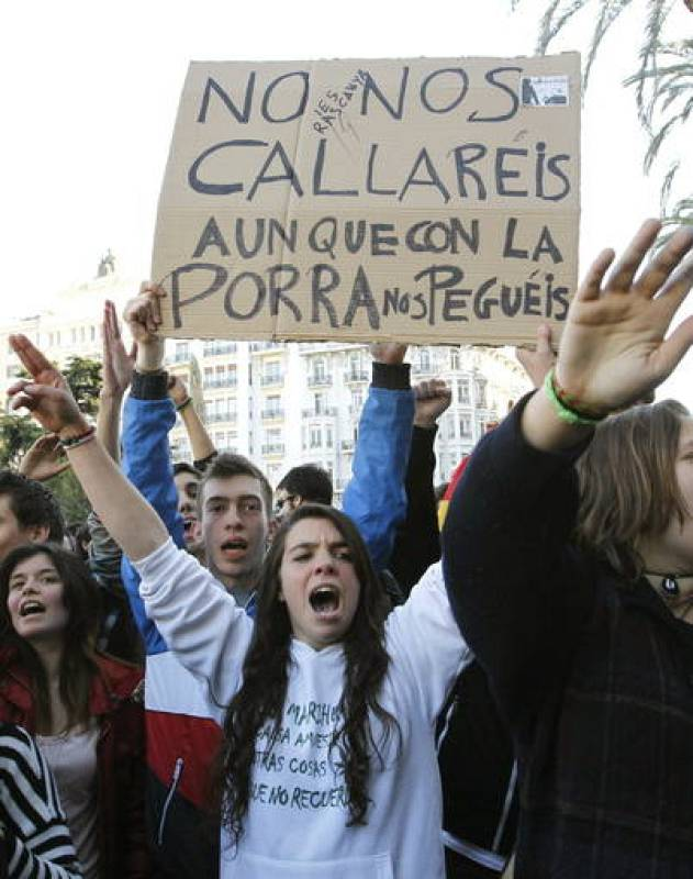 CONCENTRACIÓN POR LOS INCIDENTES EN EL INSTITUTO LLUIS VIVES DE VALENCIA