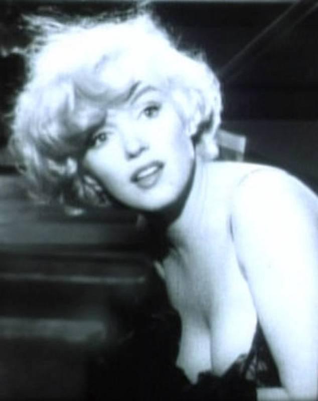 Fotograma de Marilyn Monroe del trailer de la película 'Con faldas y a lo loco', 1959.