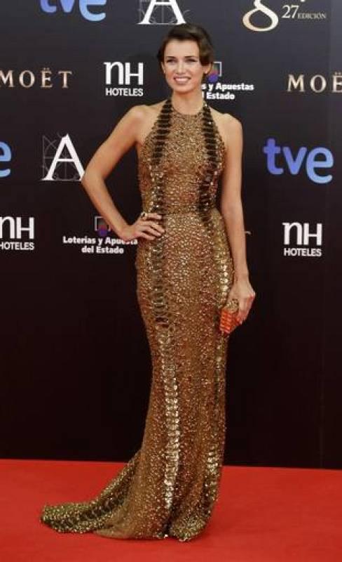 La actriz ucraniana Natasha Yarovenko, que ha lucido Zuhair Murad, ha posado espectacular ante los fotógrafos.