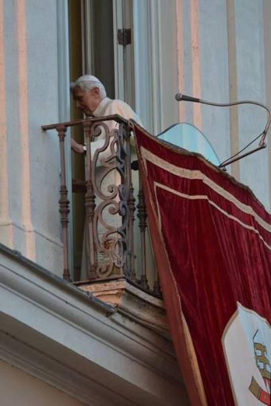 Última imagen de Benedicto XVI como papa