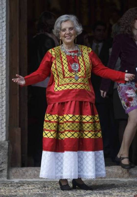 "Mexican writer Poniatowska reacts before receiving the ""Premio Cervantes"" literary award at the University of Alcala de Henares near Madrid"