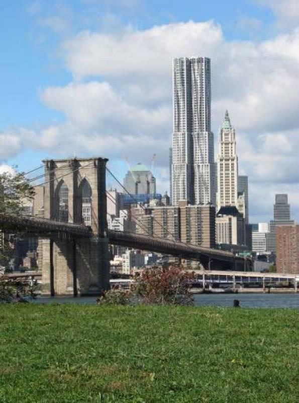 Frank Gehry, 8 Spruce Street, Manhattan, Nueva York, 2003-2011