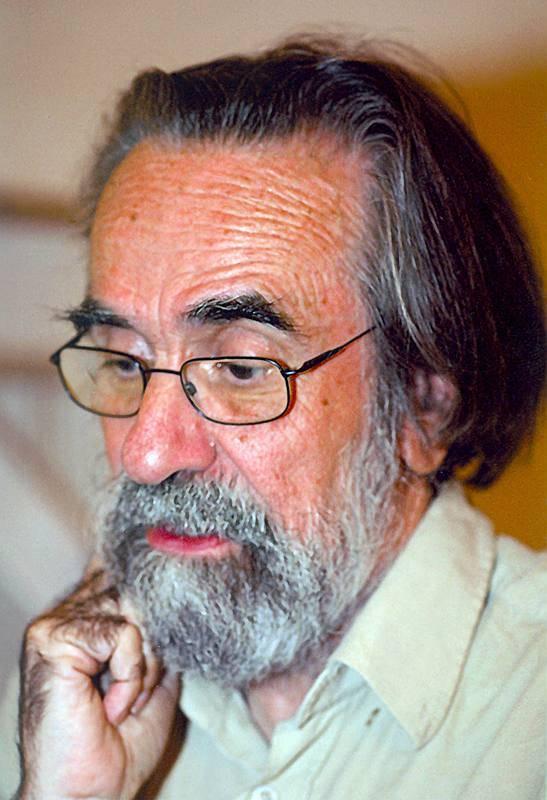 Fotografía de archivo sin fechar del artista murciano Isidoro Valcárcel Medina.