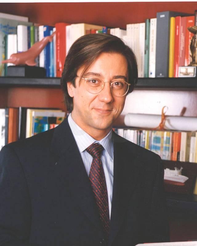 Pío Cabanillas Alonso (1998-2000)
