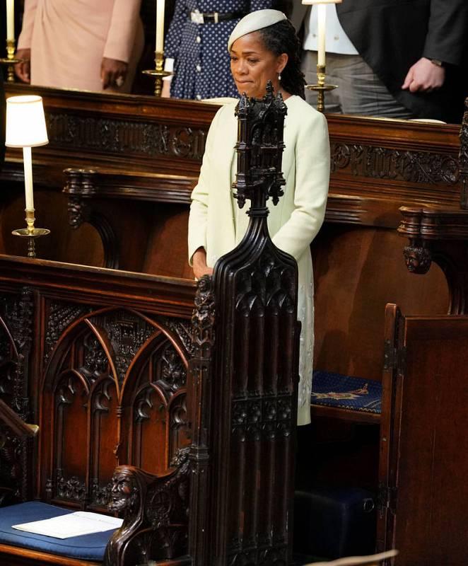 Doria Ragland, madre de Meghan Markle, en la Capilla de San Jorge