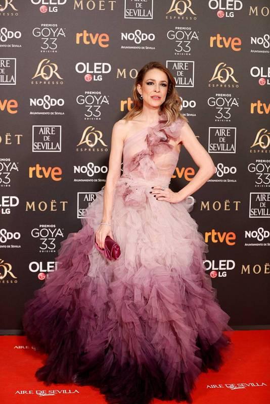 La actriz Silvia Abascal viste un traje a medida de Marchesa
