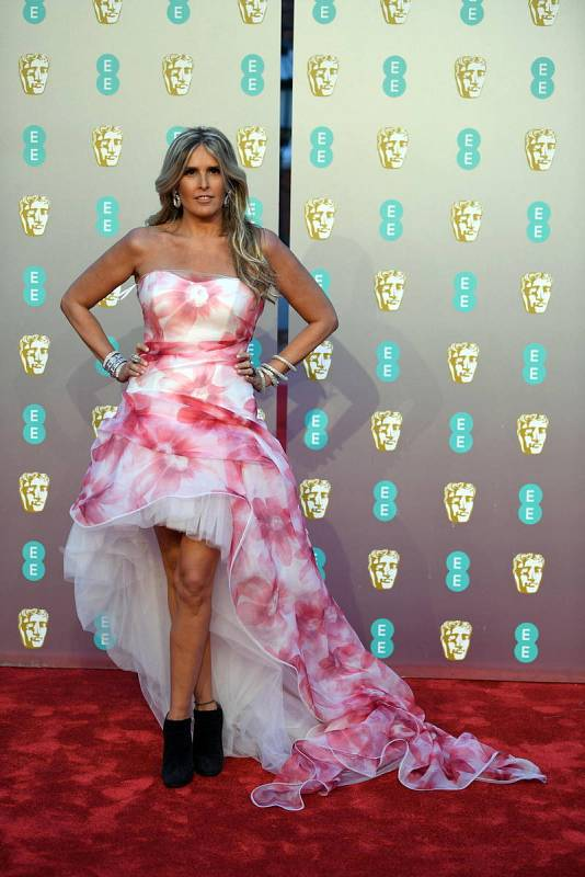 La productora y actriz italiana Tiziana Rocca llega al Royal Albert Hall en Londres, donde se celebra la entrega de los premios Bafta