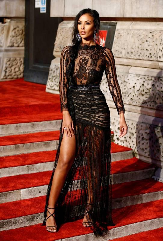 La presentadora de radio y televisión Maya Jama posa en la alfombra roja