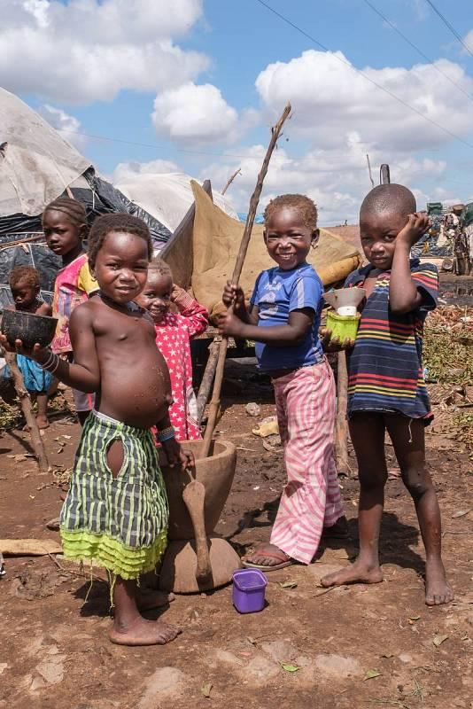 Más de un millón de personas desplazadas en Mali por los violentos conflictos étnicos en el norte. Los niños, los más perjudicados