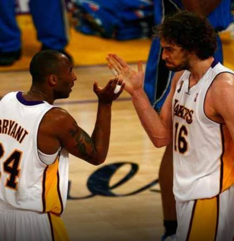 Kobe Bryant y Pau Gasol, excompañeros y amigos
