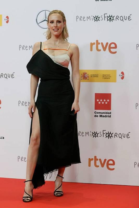 La actriz Natalia de Molina a su llegada a la gala de entrega de los Premios Forqué.