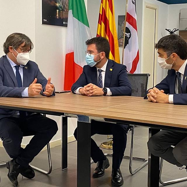 Puigdemont se reúne en Cerdeña con Pere Aragonés