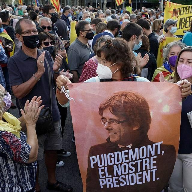 El juez deja en libertad a Puigdemont