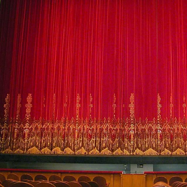 Trabajar en el Teatro Real, lo que ocurre detrás del telón