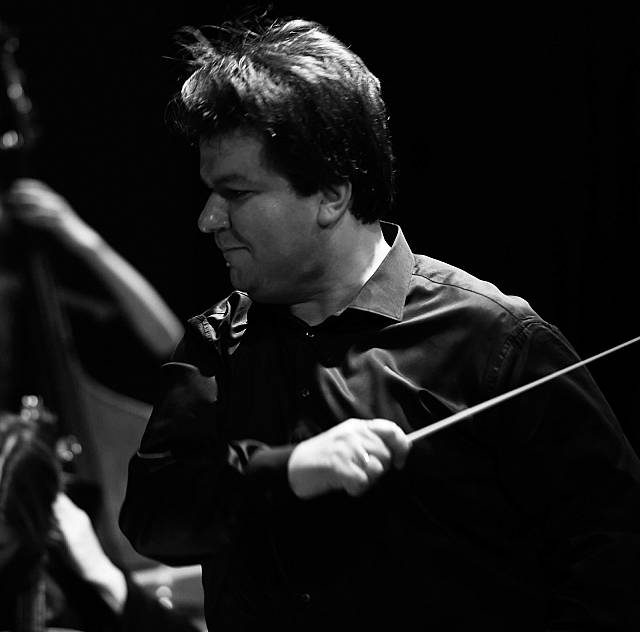 The London Philharmonic Orchestra with conductor A.Zemstov