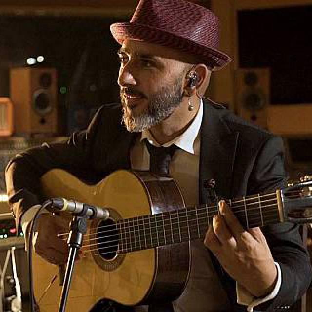Rycardo Moreno: guitarra de herencia y futuro