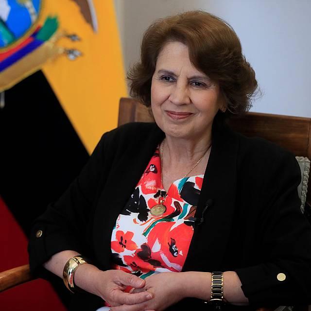 Ecuador presenta a Rosalía Arteaga candidata a la Segib