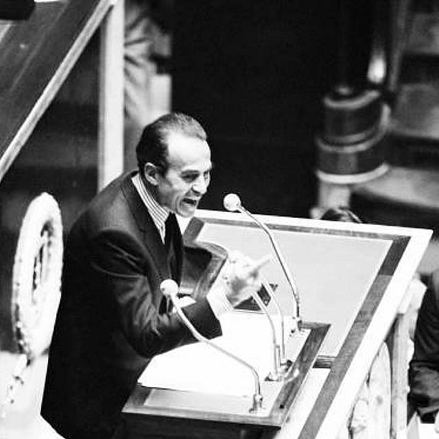 Empecemos el día con Historia: Badinter y la pena de muerte